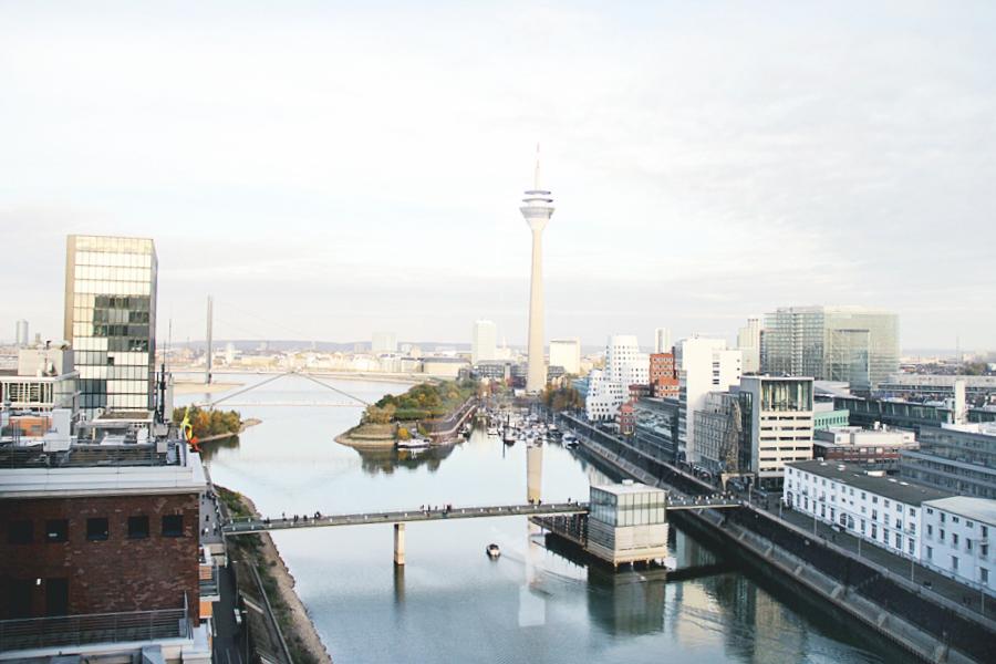 düsseldorf hafen skyline