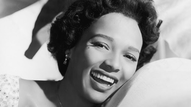 The Secret To An Old Hollywood Smile (it's all in the teeth!)