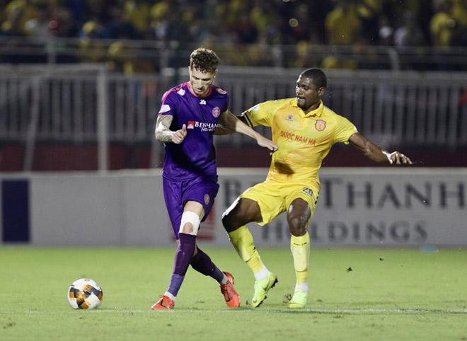 CLB lạ nhất V-League bất bại 10 trận, độc chiếm ngôi đầu: Chuyên gia nói gì?
