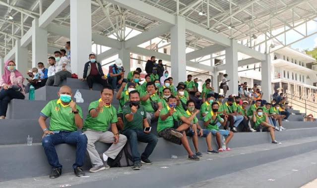 Bonek Jayapura Dukung Atlet Jawa Timur di 37 Cabor PON XX Papua.lelemuku.com.jpg