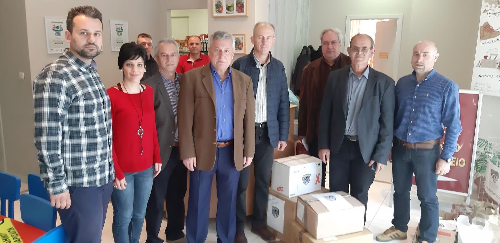 Προσφορά τροφίμων από την Ένωση Αποστράτων Αεροπορίας στο Κοινωνικό Παντοπωλείο Λάρισας