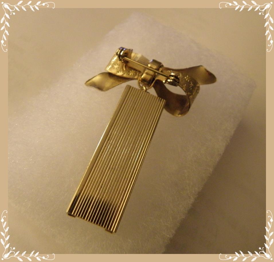 A Glittery Vintage Plethora-A Brooch a Day: Palmer ...