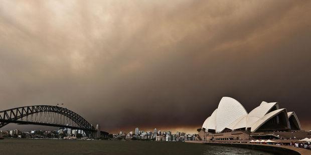 Super storm set to lash Sydney, Brisbane