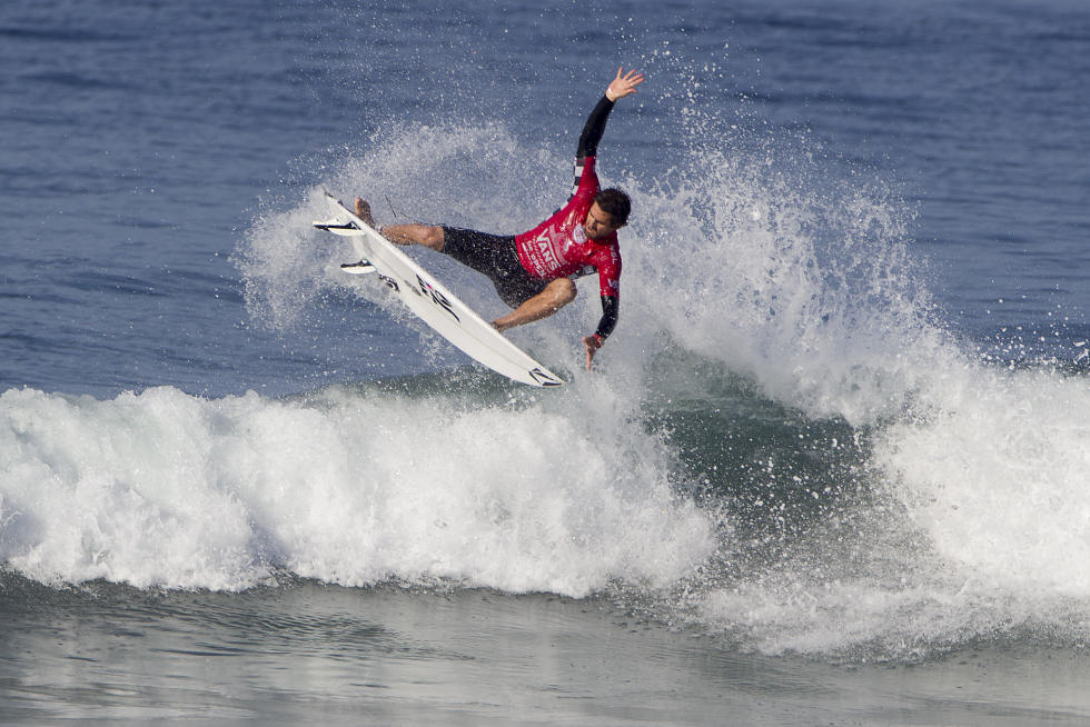21 Gonzalo Zubizarreta Vans US Open of Surfing Sean Rowland