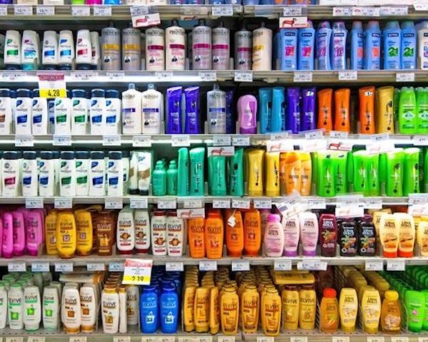 Shampoo e condicionador nos supermercados