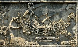 Gambar kapal layar bercadik di borobudur