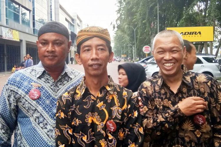 Mirip Jokowi, Reza Jadi Rebutan Foto Bareng