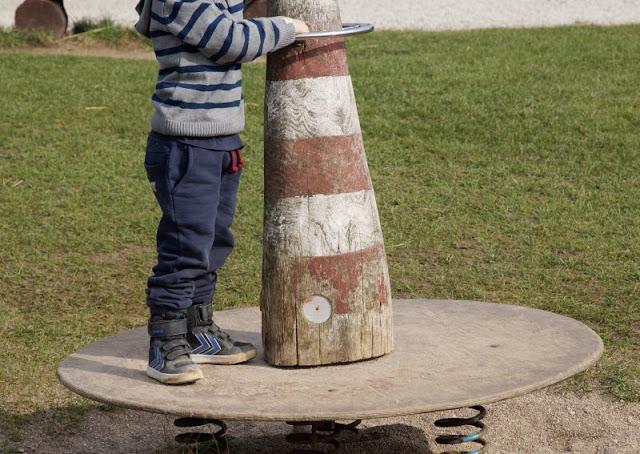 Kinder brauchen Abenteuer! Zwei spannende Abenteuer-Spielplätze in der näheren Umgebung von Kiel. Auf dem Kinderabenteuerland Wendtorf steht sogar ein Leuchtturm wie sonst bei uns an der Küste in Schleswig-Holstein!
