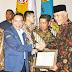 Wako Padang H. Mahyeldi, Terima Penghargaan Nasional Pembina Terbaik