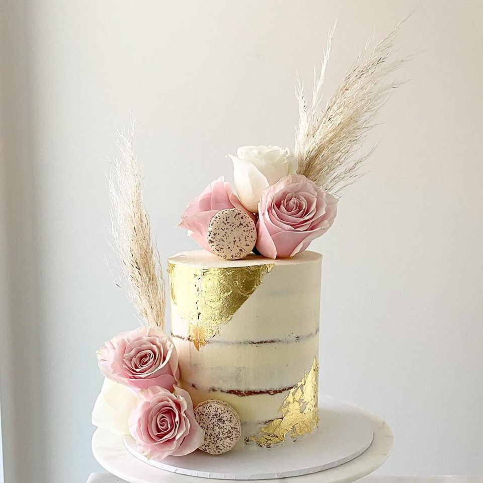 wedding cakes brisbane to the aisle australia floral cakes dessert