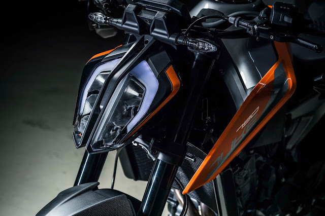 New 2019 KTM 790 Duke Headlight