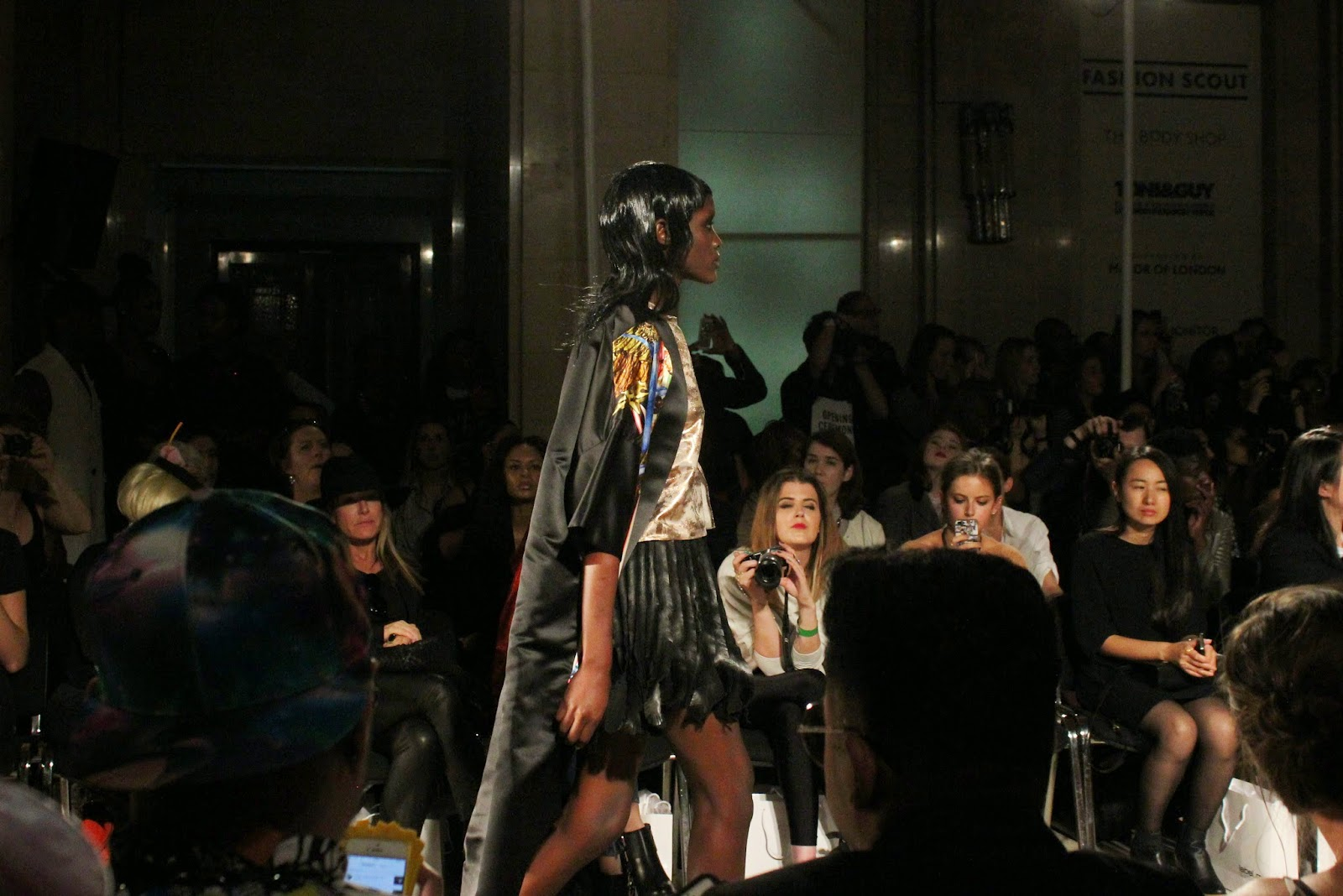 london-fashion-week-2014-lfw-spring-summer-2015-blogger-fashion-Dora-Abodi-catwalk-models-freemasons hall-fashion-scout-dress