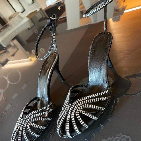 Sandale negre din satin cu imitatie de pietre pretioase