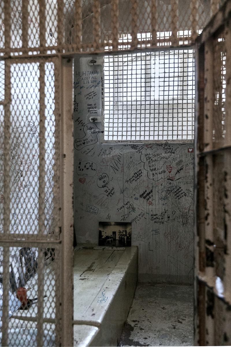Hotel Katajanokka, jailhotel, prisonhotel, vankilahotelli, vankila, Lääninvankila, Helsinki, Visithelsinki, escape the ordinary, hotelli, Katajanokan vanha vankila, sisustusvalokuvaus, valokuvauskurssi, Visualaddict, valokuvaaja, Frida Steiner, arkkitehtuuri, architecture, valokuvaus, sisustusinspiraatio, selli, vankiselli, eritysselli