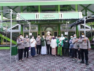 Program Suling Polda Metro jaya hadir di Masjid As- Sa'adah. Jl. Tanjung Duren Utara I RT.01/02. Tanjung Duren. Jakarta Barat.