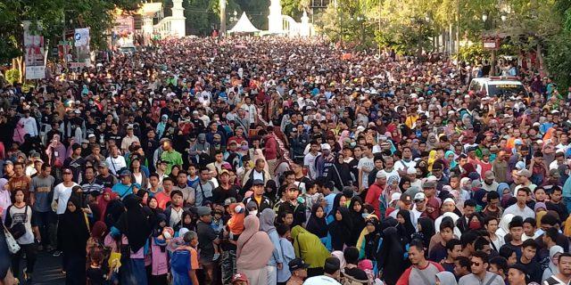 Kisah Perjuangan Panitia Jalan Sehat di Solo Bikin Haru!