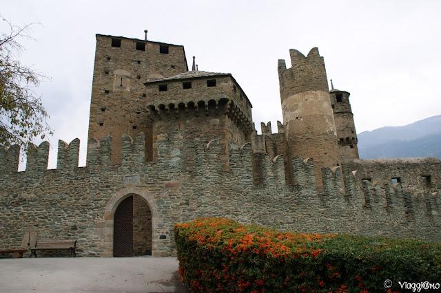 Porta di ingresso del Castello di Fenis