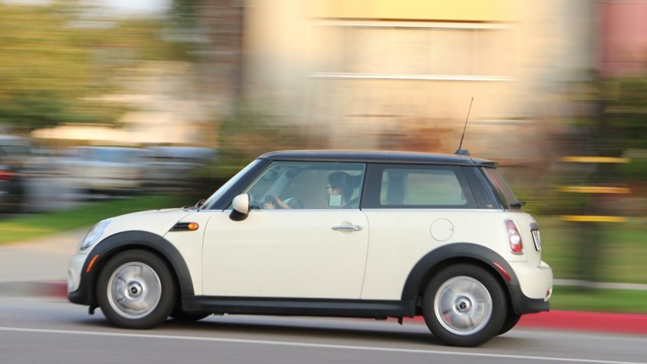 عجلات السيارة للبيع، أنواع إطارات السيارات، عجلات السيارة بالإنجليزي، إطارات السيارات للبيع، أسعار إطارات السيارات، أفضل أنواع إطارات السيارات، مدة صلاحية إطارات السيارة، علامات إطارات السيارات، أسباب تلف إطارات السيارات، أنواع إطارات السيارات، متى أغير إطارات السيارة، مدة صلاحية إطارات السيارة، تبديل إطارات السيارة