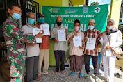 Babinsa Dampingi Perangkat Desa Dan Lansia  Dapatkan Suntik Vaksin Covid -19