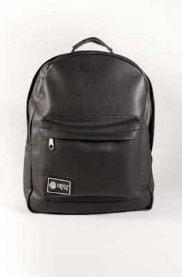 http://www.cnfwear.com/es/ouroboros/353-black-texture-cnf-bag-353.html