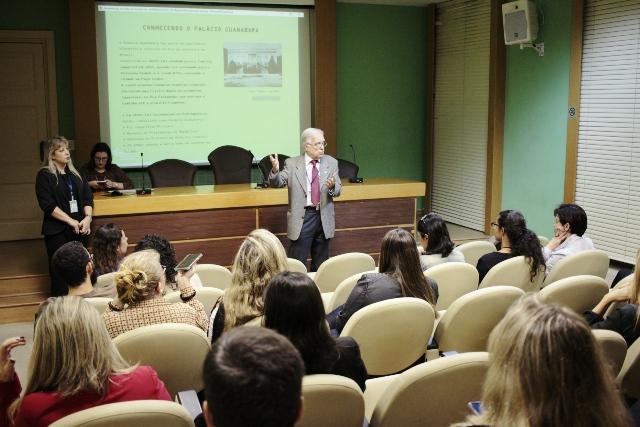 Auditório com o sr. Carlos Alberto