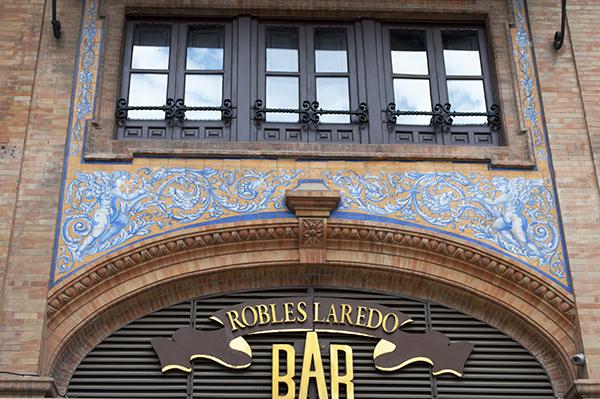 bar robles laredo sevilla españa