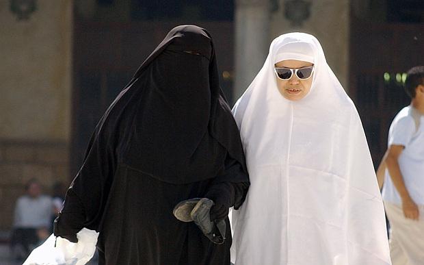 Bagaimana Hukumnya Seorang Muslim Ragu Dengan Keislamanya Dengan Mengucap
