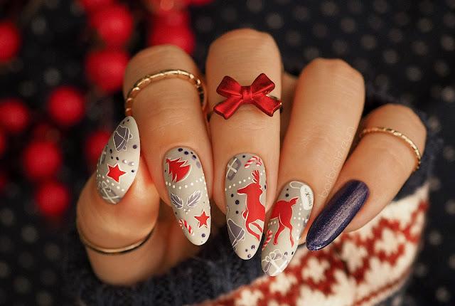 Świąteczne paznokcie z wieloma detalami | FollyNail