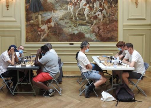Il s'agissait d'un tournoi d'échecs en parties longues, et chaque joueur, gagnant ou perdant, en a joué 7 dans la journée - Photo © Actu.fr