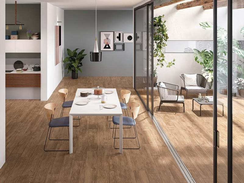 pavimento gres porcellanato effetto legno di Iperceramica
