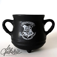 http://lageekerie.com/mug-chaudron-poudlard-harry-potter.html?gclid=EAIaIQobChMI56S9l7KO2AIVlRgbCh1vaQ9SEAQYAiABEgKRp_D_BwE
