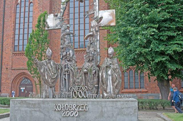 pomnik Tysiąclecia w Kołobrzegu