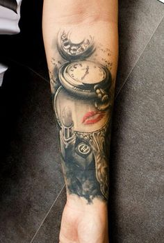 25 awesome clock tattoos for women and men awesome tat for Street sign tattoos