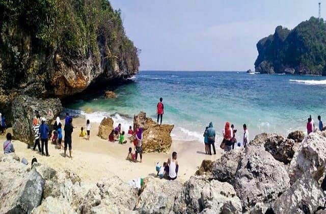 Pantai Sadeng, Muara dari Sungai Bengawan Solo Purba
