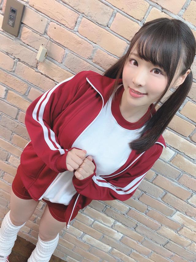 Ngắm vẻ quyến rũ của Hiyori Yoshioka mỹ nữ 18+ đáng yêu của xứ sở hoa anh đào