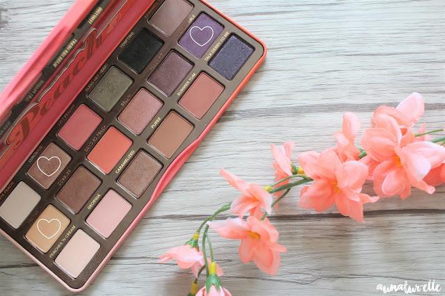 maquillage avec la palette sweet peach de Too Faced