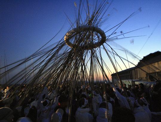 Gae-Tae-Sai (Straw Ring Rising Festival), Kamishima Island, Toba City, Mie Pref.