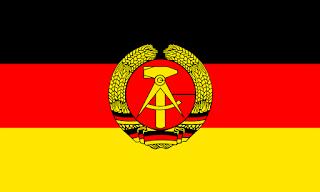 Die Flagge der Deutschen Demokratischen Republik