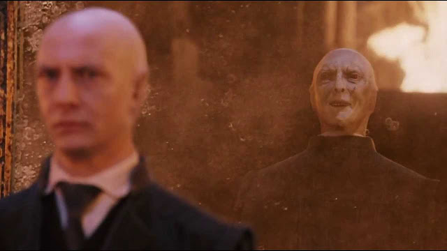 Куиръл и Волдемор в Хари Потър и философският камък