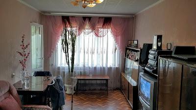 3-комнатная на ЮГОКе по ул. Добролюбова, 4 на 6/9 эт. дома с ремонтом и мебелью