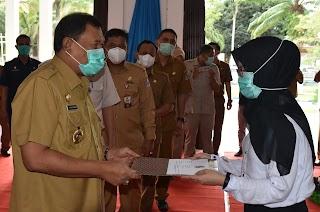 Bupati Deli Serdang H Ashari Tambunan Serahkan 108 SK CPNS Hasil Seleksi 2019