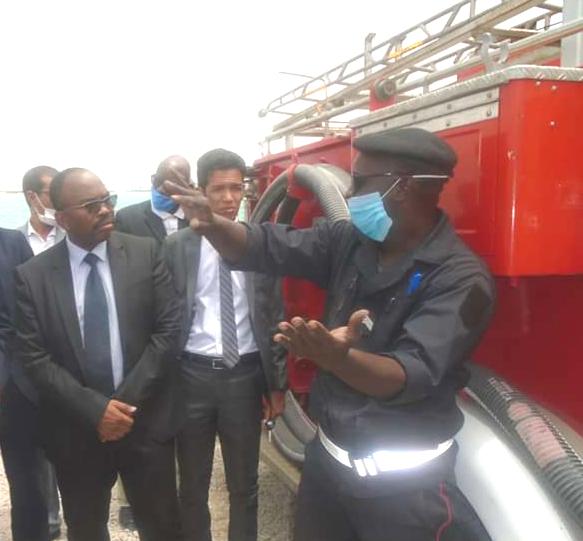 نواذيبو : المدير العام لميناء خليج الراحة يطلق عمليات تطوير قسم الإطفاء بالمؤسسة و الصيادون يثمنون.- تفاصيل و صور