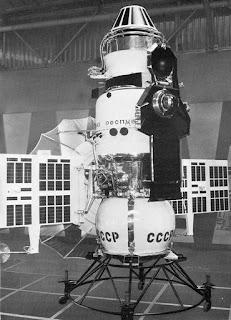 La sonda Venera 4, completa di tutte le sue parti.