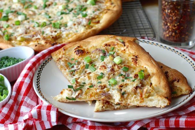 six onion pizza