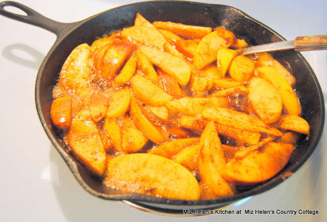 Cinnamon Skillet Apples at Miz Helen's Country Cottage
