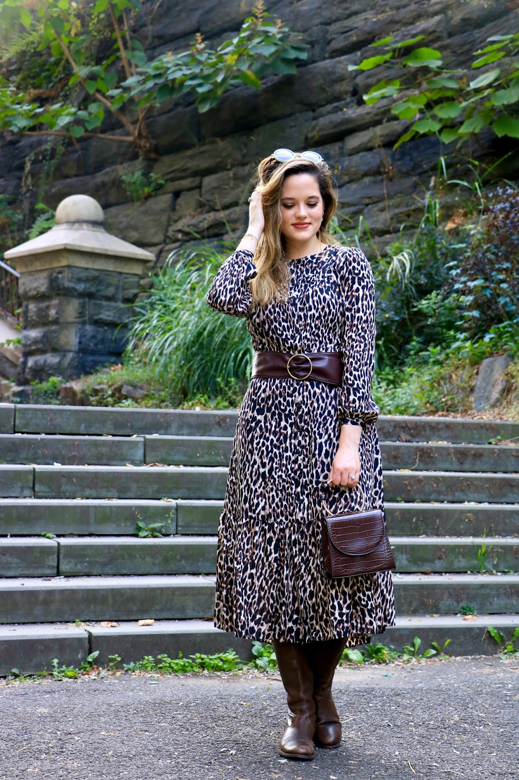 Nyc fashion blogger Kathleen Harper wearing a cute and affordable fall midi dress