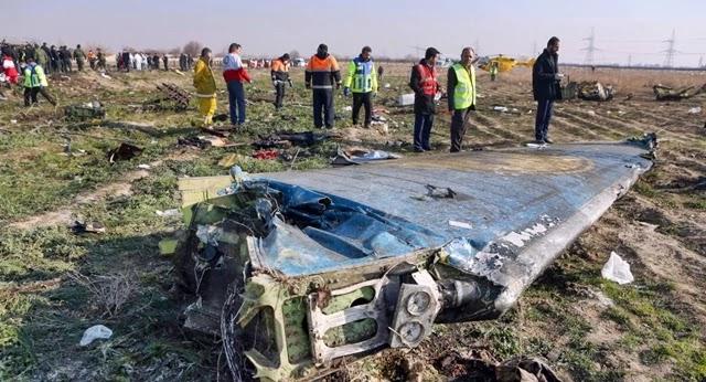 """O Irã anunciou neste sábado que seu Exército """"abateu involuntariamente"""" um avião de passageiros ucraniano, o que causou a morte das 176 pessoas que viajam nele."""