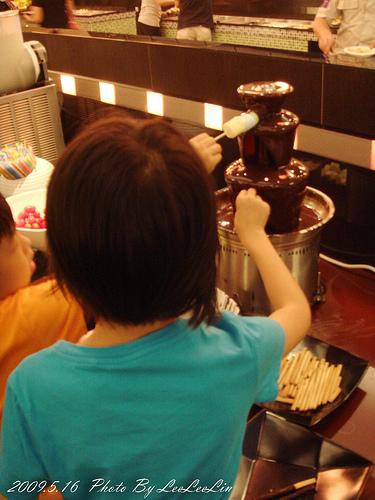 鮮晏鍋物餐廳|三峽吃到飽美食熱食沙拉鐵板火鍋|餐廳附設親子遊戲區|三峽民生街吃到飽餐廳
