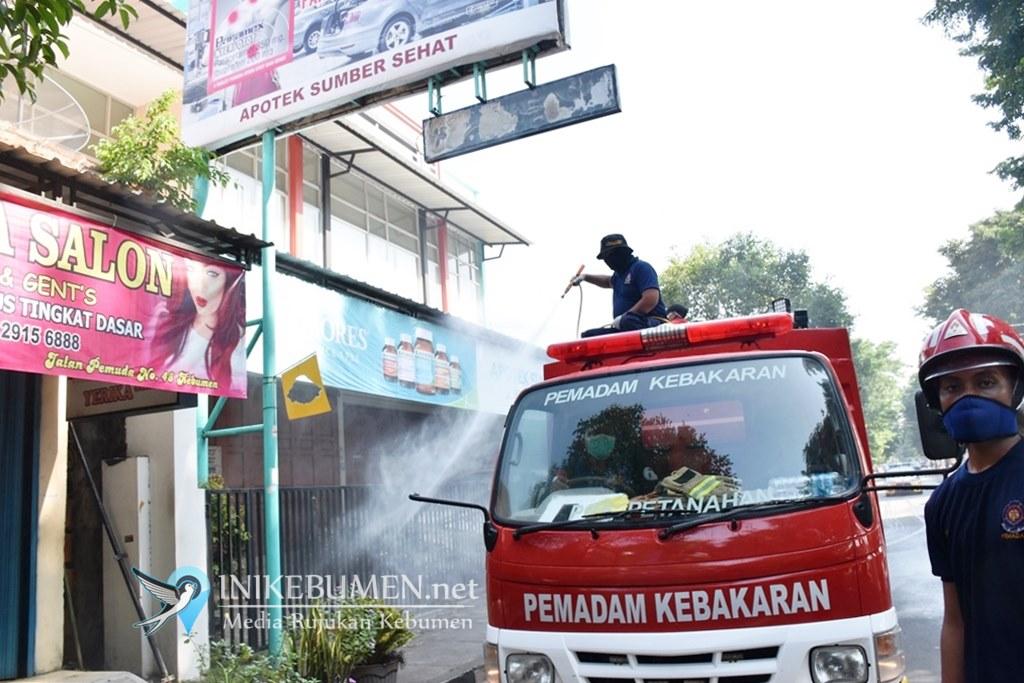 Cegah Penyerbaran Corona, 1,2 Juta Liter Disinfektan Disemprotkan di Jalanan Kebumen
