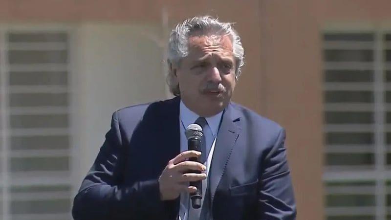 """Alberto Fernández: """"Devaluar es fácil, pero es una máquina de generar pobreza"""""""